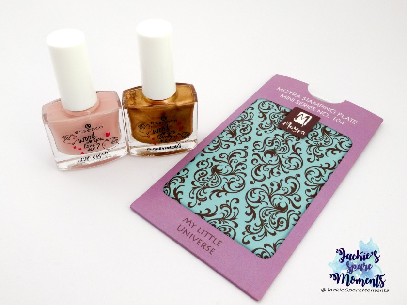 Essence wood you love me and stamping plate Moyra mini series 104