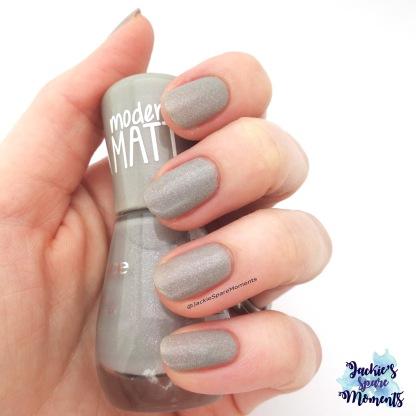 essence the gel nail polish modern matt 100 miracle stone