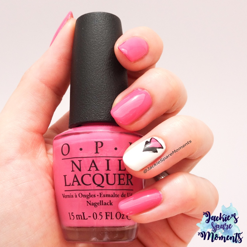 Geometric design with OPI Suzi has a swede tooth, essence stamping plate #wirlackierendenSommerbunt