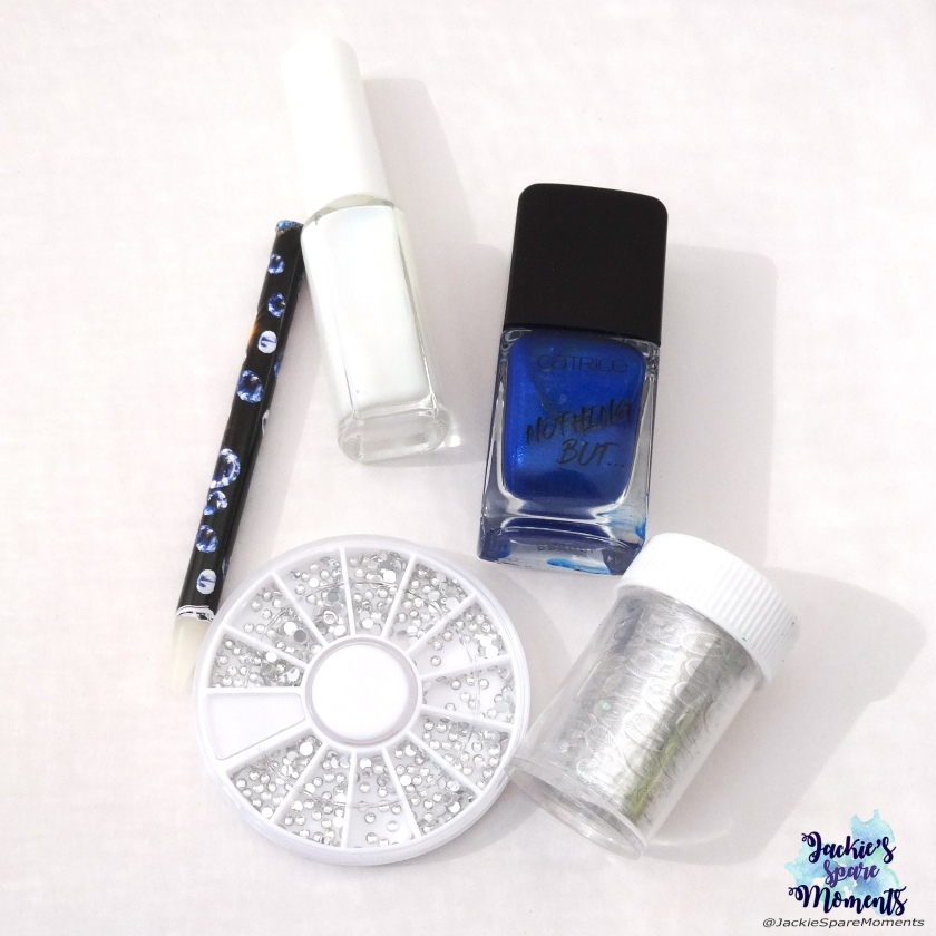 Catrice ICONails 61 Me, Myself and My Polish, nail foil, foil glue, nail studs, wax pen.