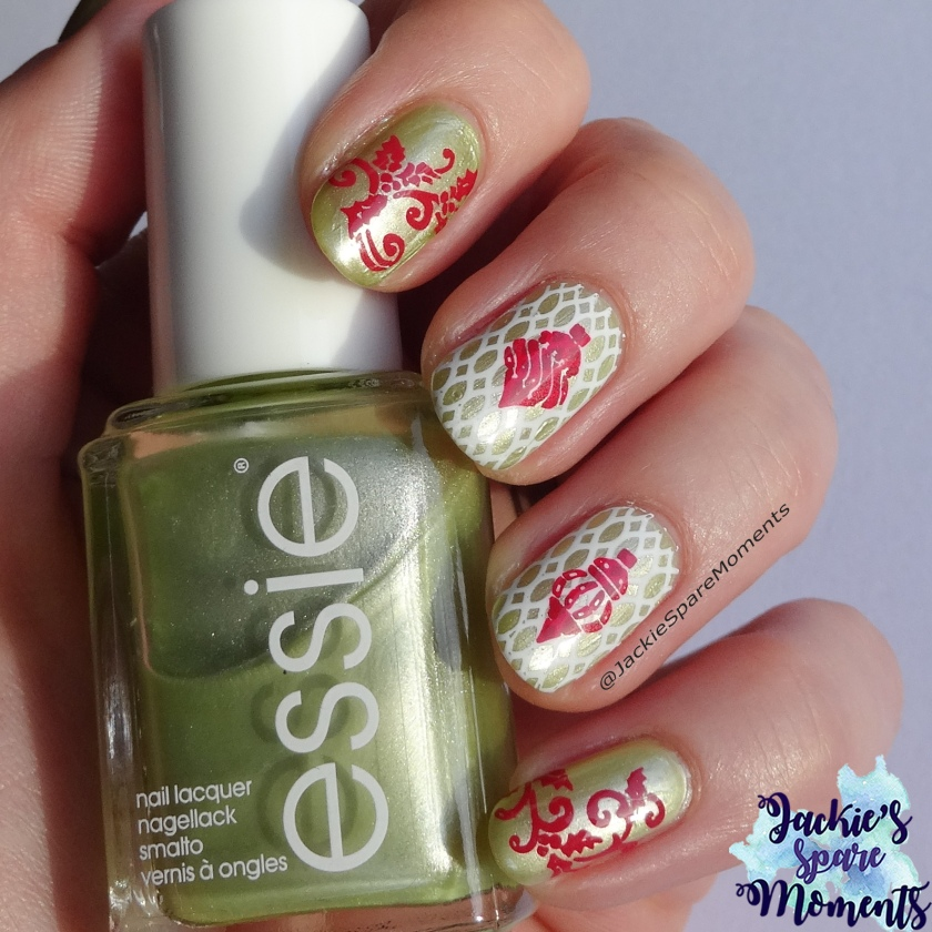 Christmas nail art with Essie Reggae and Rum