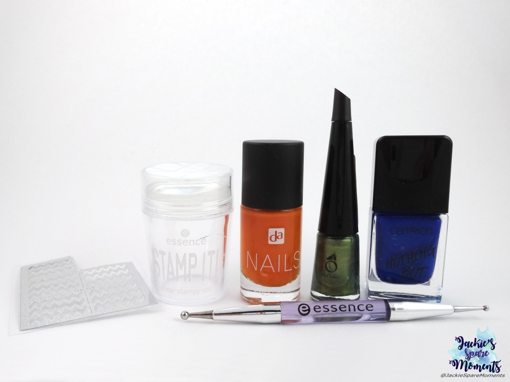 Materials used: nail vinyls, stamper, dotting tool, DA Nails 044 Orange County, Herome nr. 63, Catrice ICONails 61 Me, Myself and My Polish.