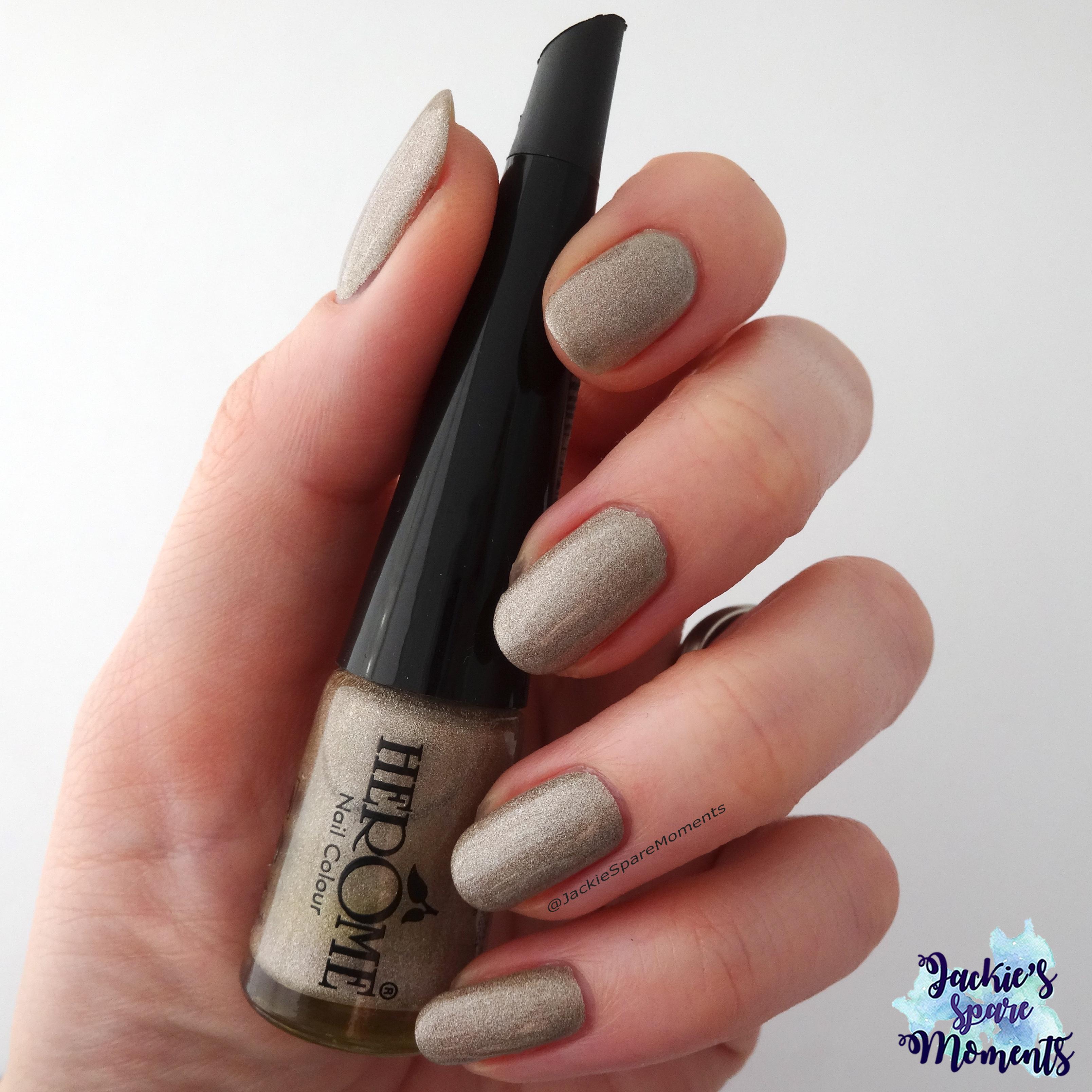 Herome Nail Colour nr 13 as Pantone Almond Buff