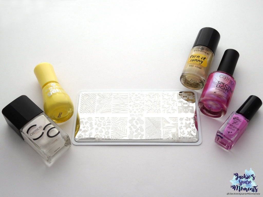 Materials used: Catrice ICONails Nail Lacquer 24 Good Lack!, essence 38 love is in the air, essence top coat turn it sunny 02 you are my sunshine, Catrice spectra light 02 Iridescent Illusion, Clear Jelly Stamper stamping polish 019, BornPretty stamping plate BPL076