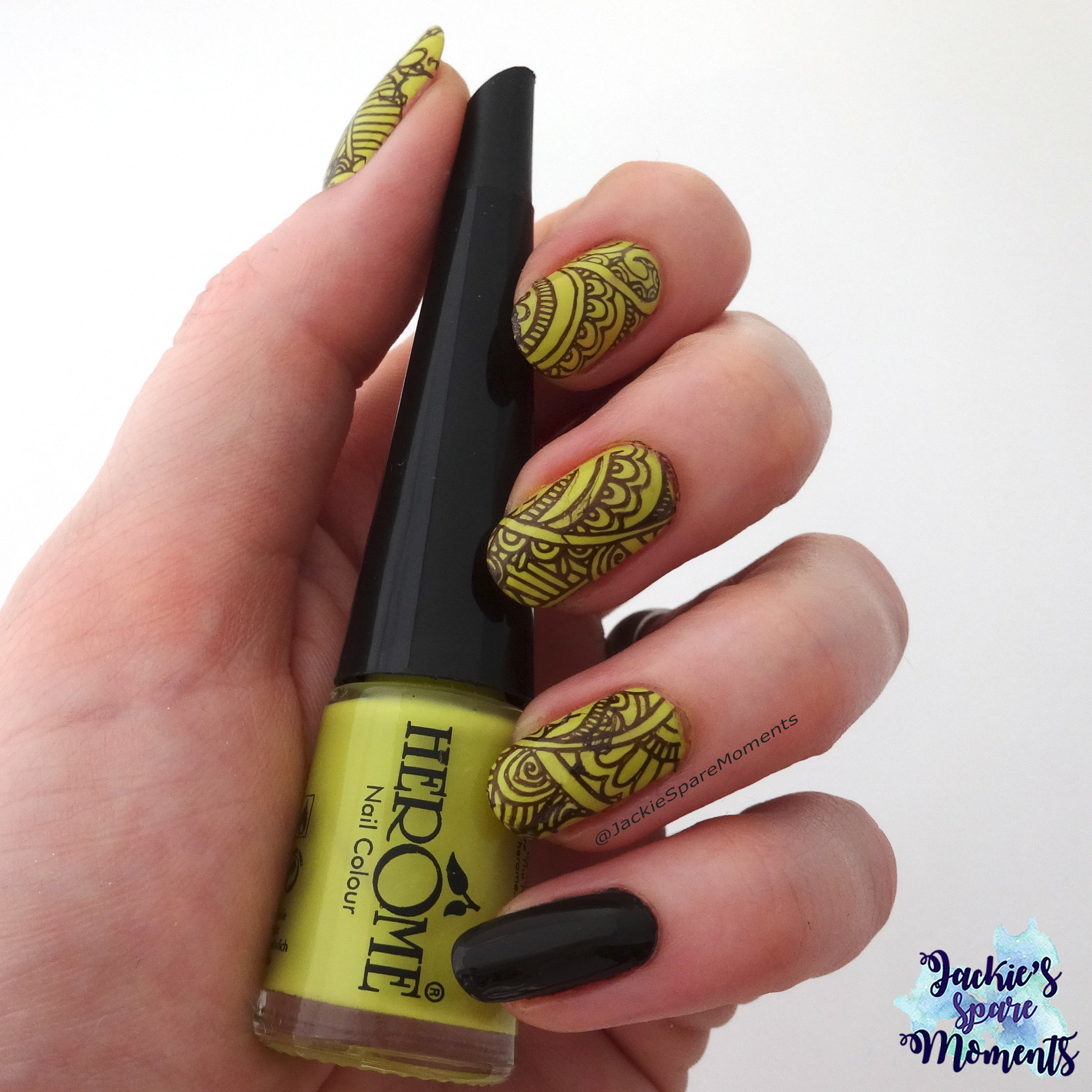 Nail art in the colours Chartreuse and Brown with Herome Nail Colour nr 58 (Chartreuse)