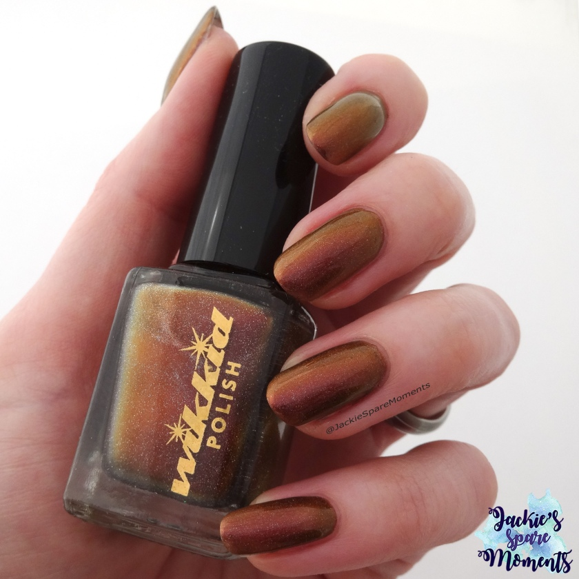Wikkid polish Helene (holo) indirect light