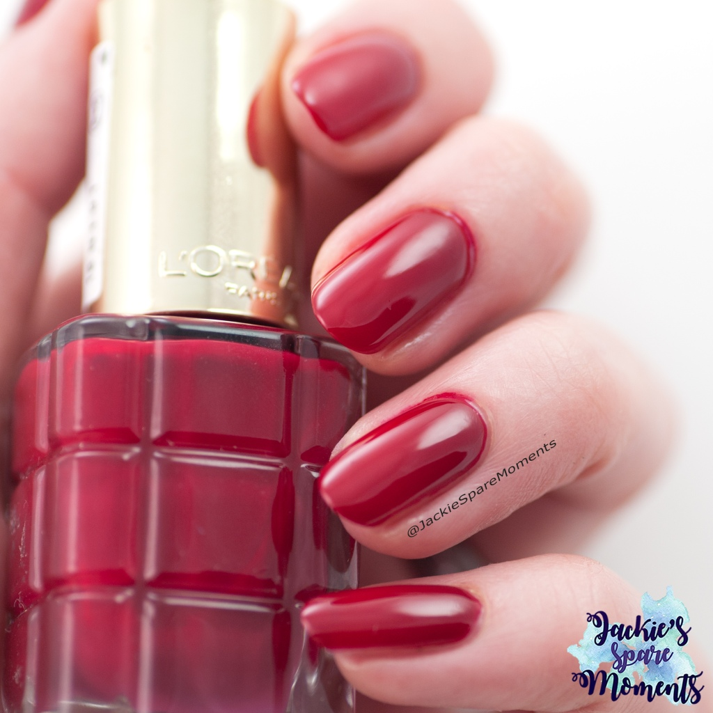 Nail polish swatch of L'Oreal Rubis Folies as Pantone Jester Red