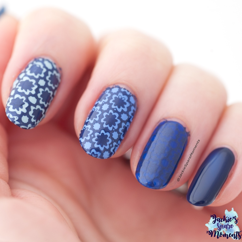 Nail art in shades of blue inspired by Portuguese tiles