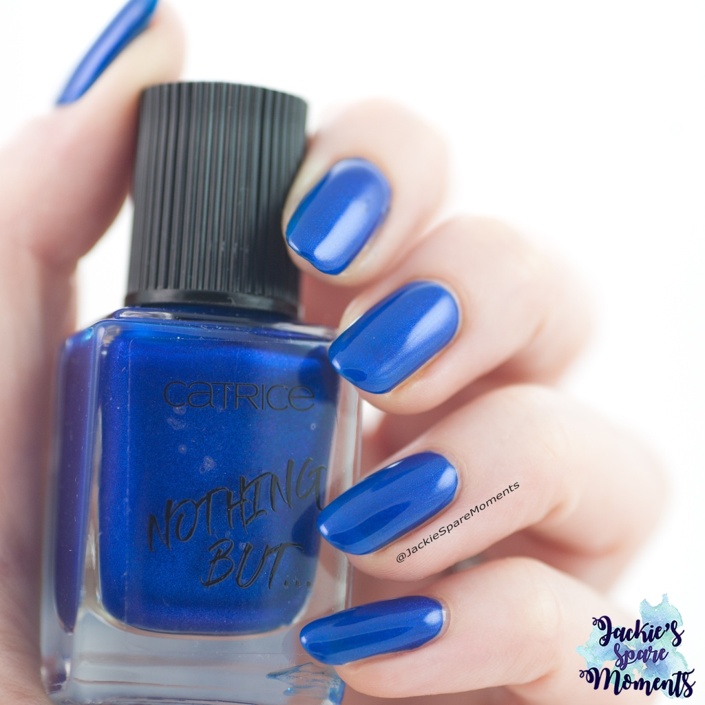 Catrice 61 Me, Myself And My Polish as Pantone Princess Blue