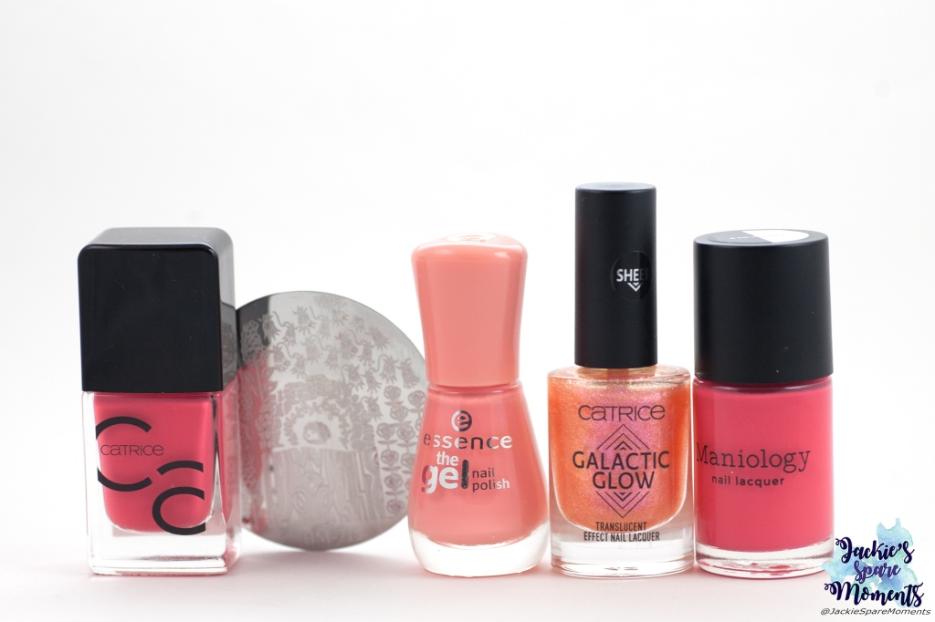 Materials used for Coral Roses nail art: Catrice ICONails 07 Meet Me At Coral Island, Essence 24 Indian summer, Catrice Galactic Glow 04 Fast As Lightning Speed, Maniology stamping polish Rose Garden, Maniology stamping plate BM-715.