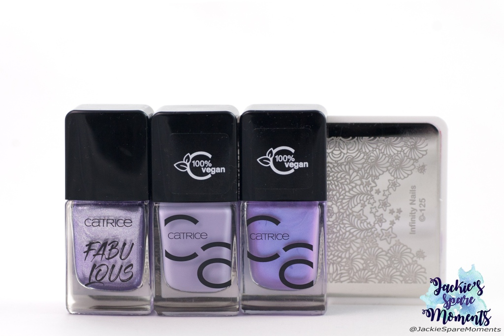 Materials used for lilac nail art: Catrice ICONails gel lacquer 66 And Now It Is Polish Time, 76 Do It With Lavender, 71 I Kinda Lilac You, Dashica Infinity Nail stamping plate 125
