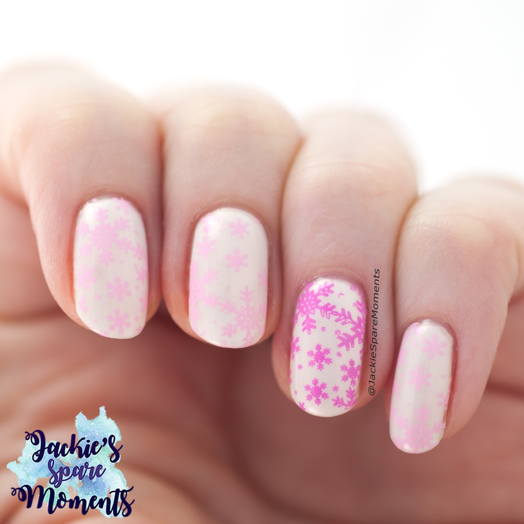 Pink snowflake manicure for Valentine's Day