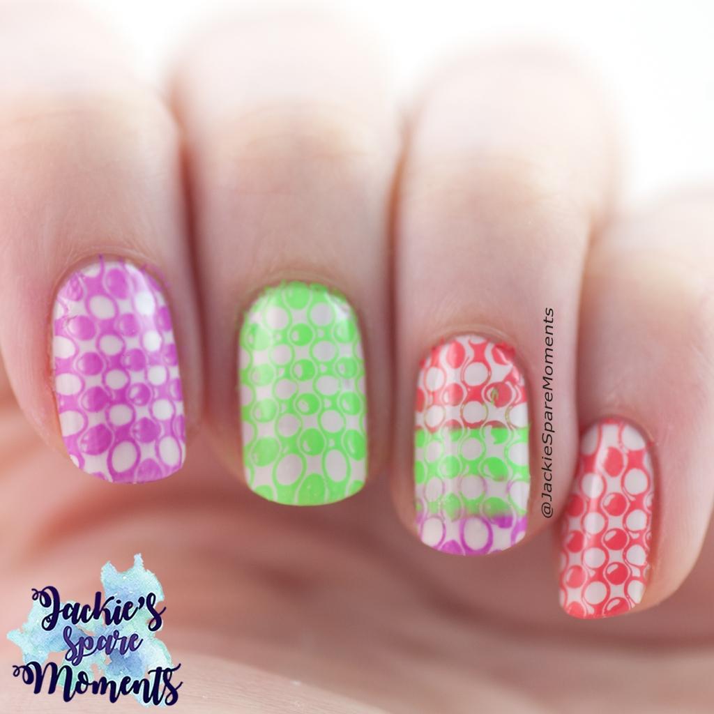Bright nail stamping pattern