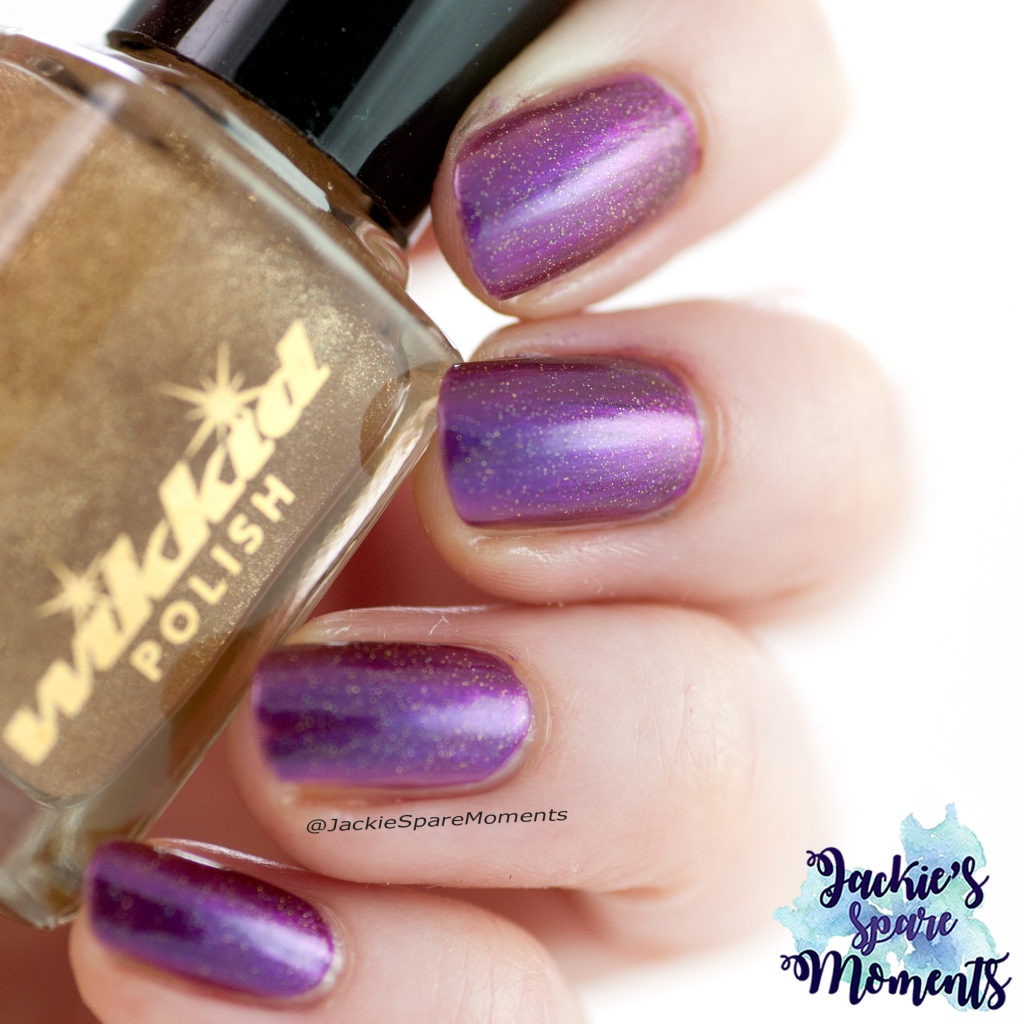 Wikkid polish Ophelia with Wikkid Gold Dust topper