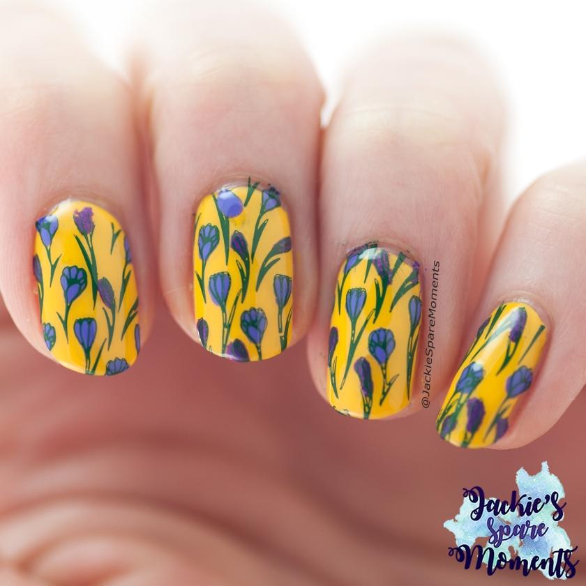 Nail art with crocusses, stamping nail art